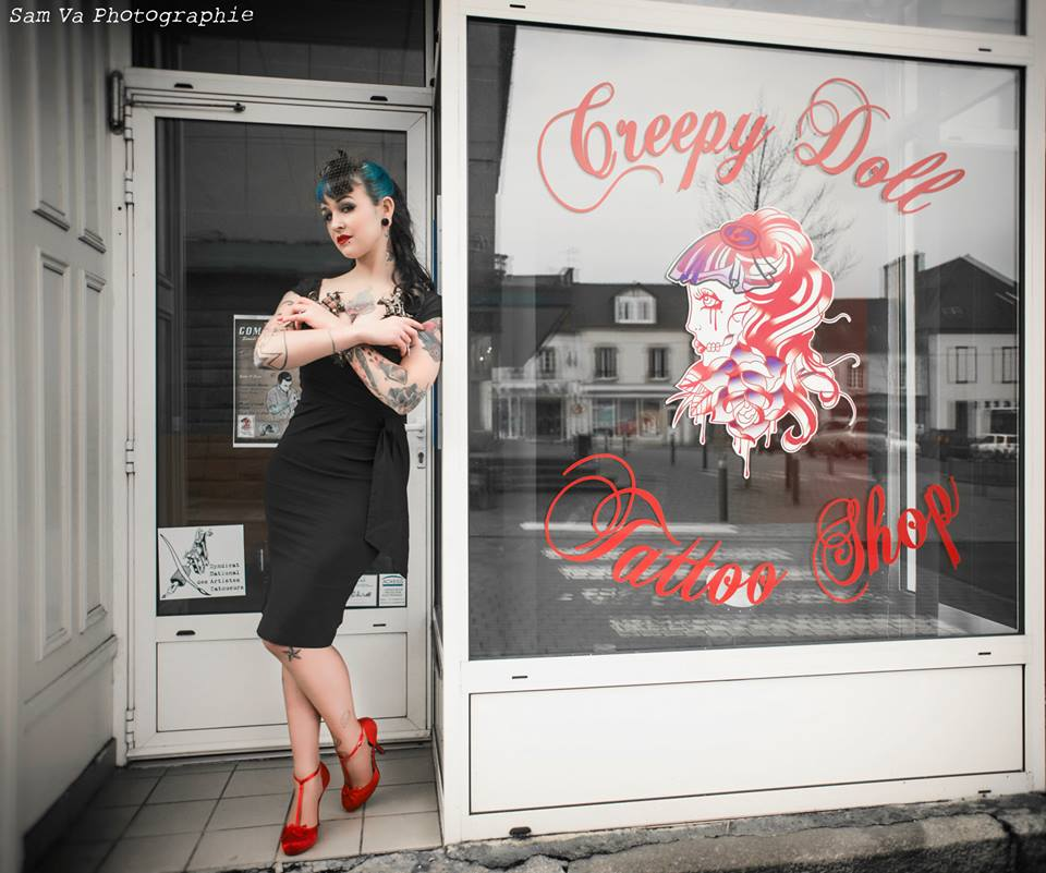 creepy-doll-tattoo-shop-samva-photographie5